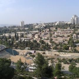 """Brechat Ha-Sultan - czyli """"basen"""" Sultana, obecnie - miejsce dla eventów koncertowych. Otoczenie - miejsce zwane w Biblii """"Gehenna"""", czyli Dolina Hinnom"""