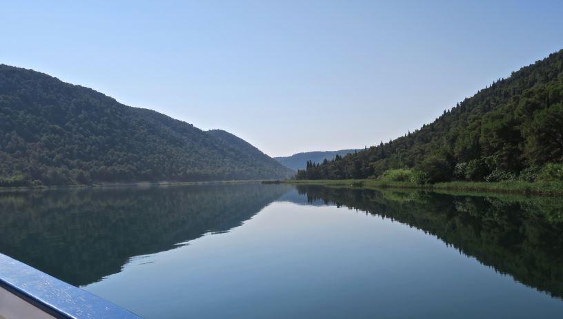 Rzeka Krka, płyniemy do Skradinski Buk