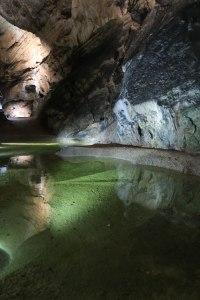 Jaskinia Belianska, jeziorko skalne